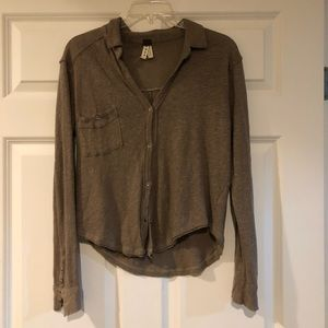 Long sleeve button up tee
